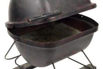 Hoe om `n houtskoolrooster met `n rookkas te evalueer