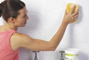 Hoe om skoonmaak voorrade te maak wat ruik