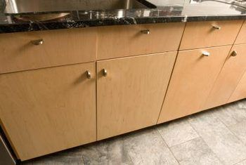 Watter hardeware sal jy met maple kabinette gebruik?