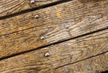 Wat beteken gesigspyker wanneer vloer gelê word?